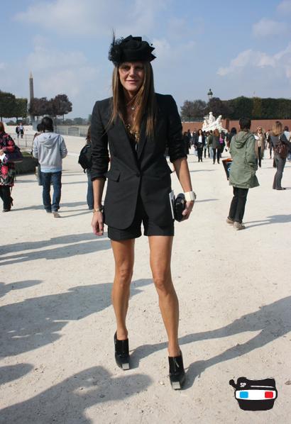 Anna Della Russo, Paris Tuileries_stella mccartney blazer shorts_balenciaga heels